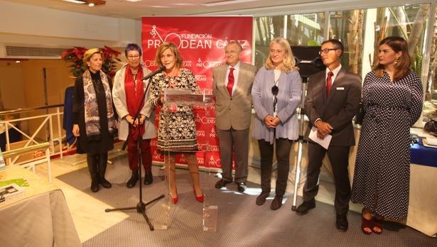 Momento de la inauguración del rastrillo de Prodean en el hotel Playa Victoria