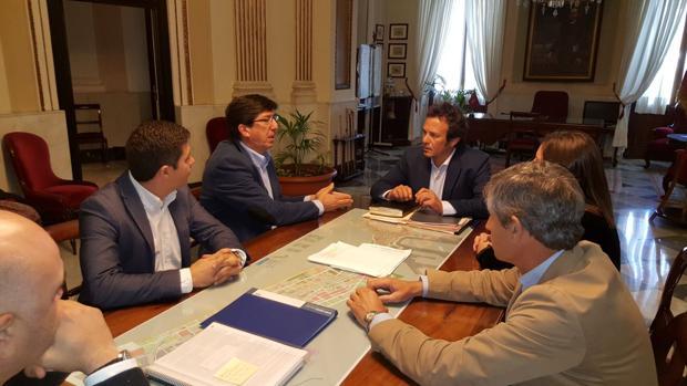 Momento de la reunión entre el alcalde y el presidente del Grupo Parlamentario Ciudadanos, Juan Marín.