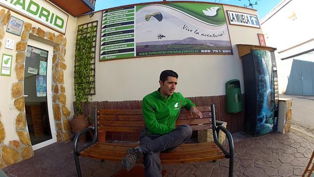 Rubén Vicente Crespo logró el pasado año el récord mundial de distancia en paramotor biplaza.