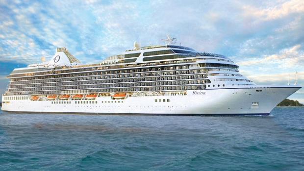 Buque 'Riviera' navegando