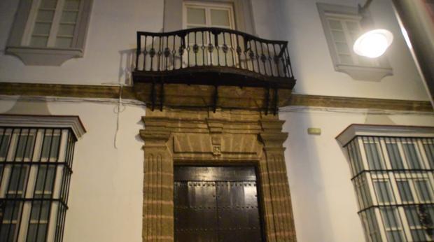 Entrada del antiguo Museo ya sin las letras que lo identificaban.