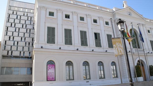 Fachada del Ayuntamiento de El Puerto que busca agilizar trámites.