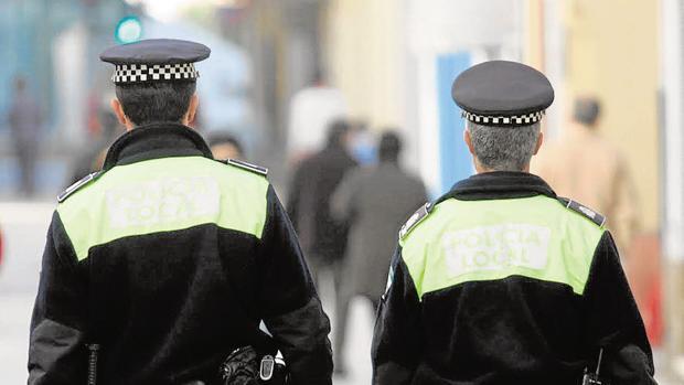 La Policía Local invertirá cerca de 20.000 euros en impresoras inalámbricas.