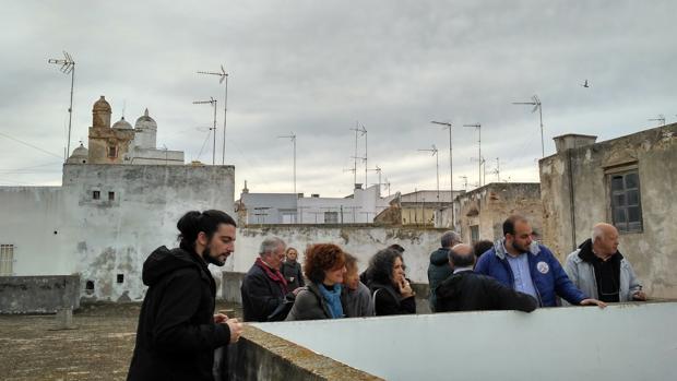 El profesor Juan Antonio Vila en una de las visitas que realiza a la Casa de la Camorra