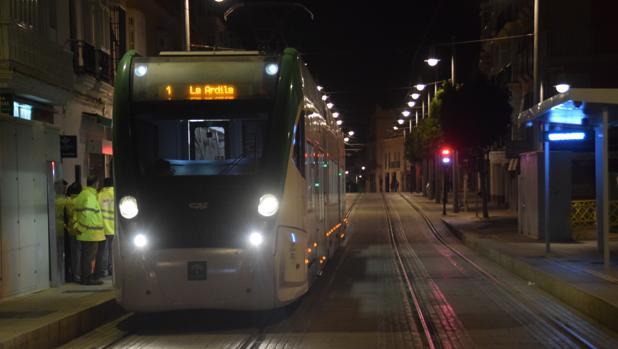 El tranvía encara el nuevo año como el de su puesta en marcha.
