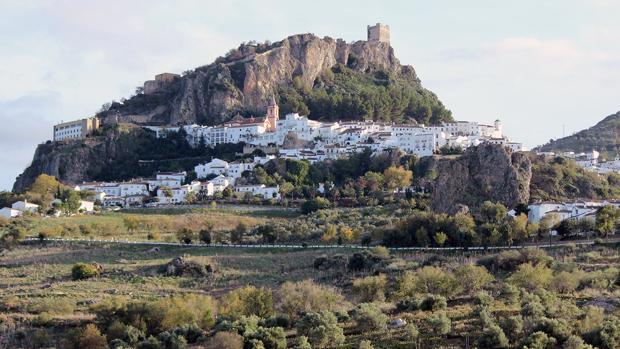 Zahara de la Sierra, uno de los pueblos más bonitos de Cádiz y de España.