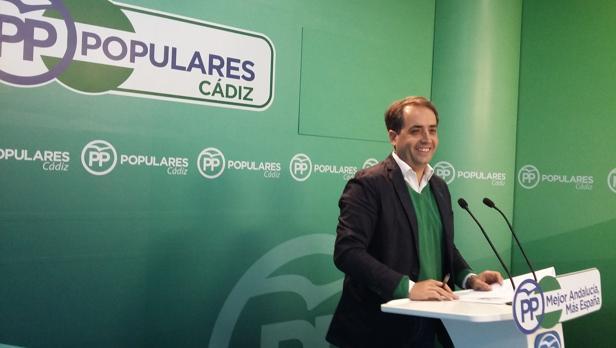 Antonio Saldaña presentó la propuesta.