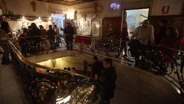 Muchos visitantes se acercaron a la Casa Aramburu para disfrutar de este palacio en Navidad.