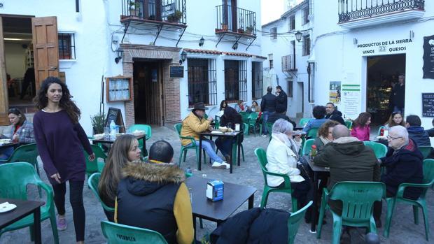 Las poblaciones de la Sierra de Cádiz han disfrutado de la llegada de numerosos turistas.