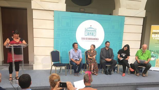 Una de las fundadoras de Ekona participó, junto al alcalde, en el II Encuentro Municipalista contra la deuda celebrado en Cádiz.