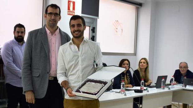 Manuel Jesús Caño ha ganado el Premio de Investigación del Colegio de Fisioterapeutas de Andalucía.