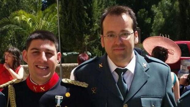 Víctor Jesús Caballero, a la derecha, junto a su compañero Víctor Romero, también fallecido.