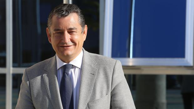 Antonio Sanz celebra los buenos datos del paro en Andalucía.
