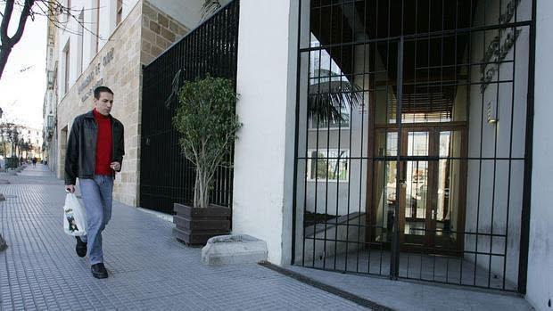 Edificio del Instituto de Fomento, Empleo y Formación (IFEF), en la Cuesta de las Calesas.