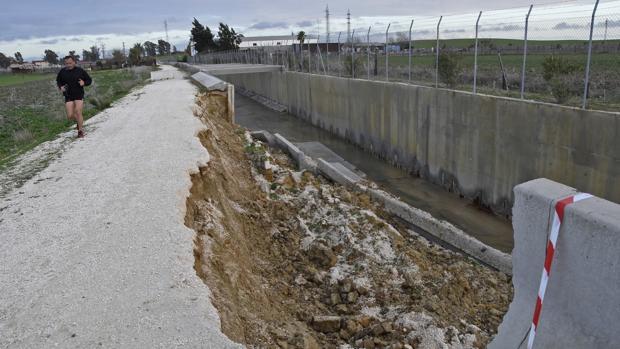 Imagen del nuevo derrumbamiento del canal de desvío del arroyo Calzas Anchas
