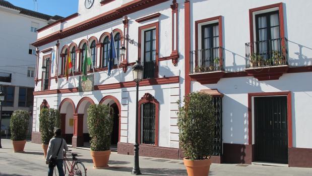 El PSOE asegura que está negociando con los grupos políticos municipales para alcanzar un acuerdo