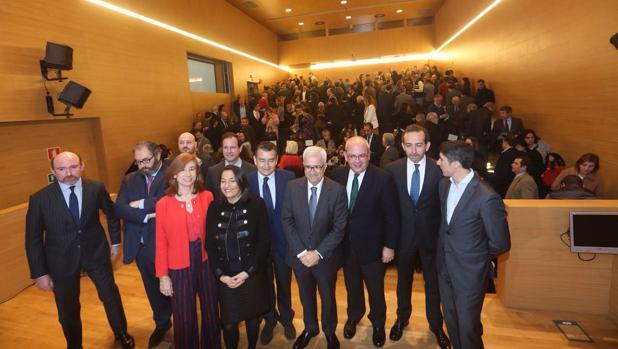 Foto de familia de la presentación de La 11Mil