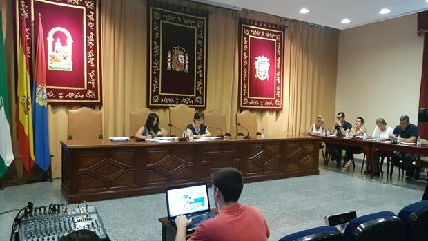 Una reciente sesión plenaria en el Ayuntamiento de Marchena