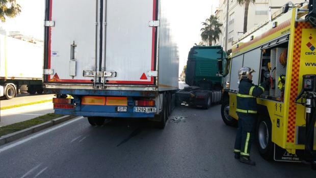 El accidente no ha ocasionado heridos.