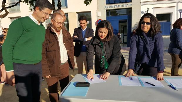 Recogida de firmas en Valencina a favor de la derogación de la prisión permanente revisable
