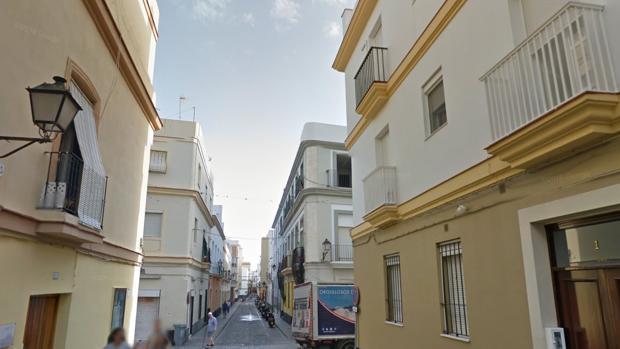 El acusado regentaba una peña en el barrio de la Viña.