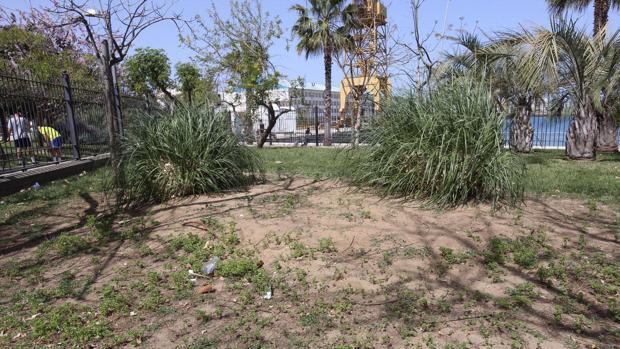 El propio sindicato ha denunciado el estado de abandono de muchos parques por los incumplimientos en el pliego.