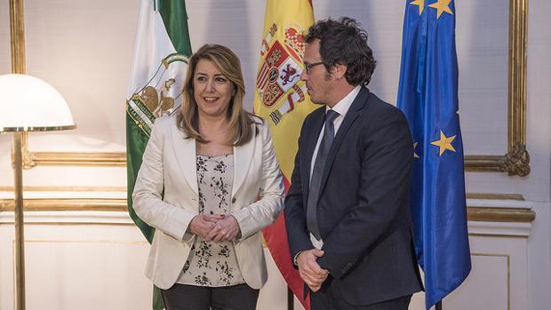 El alcalde de Cádiz, junto a Susana Díaz, en San Telmo.