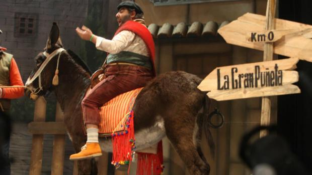 'Los de la gran puñeta' han introducido un burro en su actuación.
