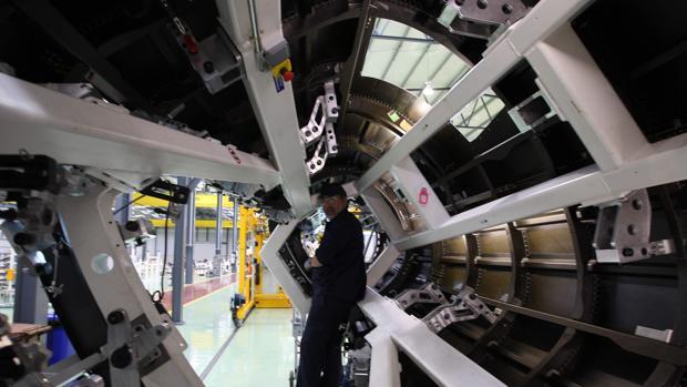 Línea de montaje en la planta de Alestis del Trocadero, en Puerto Real