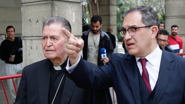 El obispo emérito, el día de su declaración