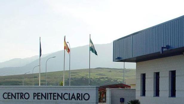 El médico estaba como interino en la cárcel de Botafuegos, en Algeciras.