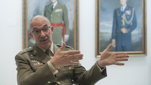 Momento de la entrevista realizada en Málaga al máximo mando operativo militar de nuestro país