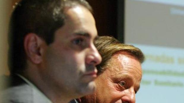 El fiscal Juan Cisneros, en primer término, en una foto de archivo.