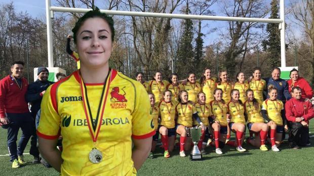 Marta Carmona lleva 5 años jugando al rugby, juega en el Crat A Coruña y es componente de la selección española