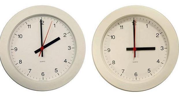 La hora se adelantará de las dos a las tres de la madrugada.