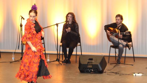 Medio centenar de estudiantes de La Rinconada han participado en «Proyecto Flamenco»