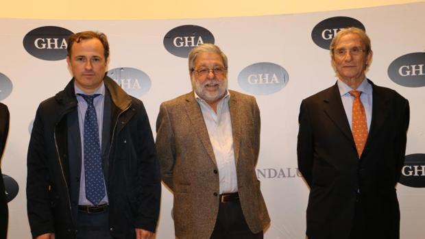 Presentación nuevo proyecto del Gran Hipódromo de Andalucía. Rafael Márquez, Francisco Toscano y Roberto Cocheteux