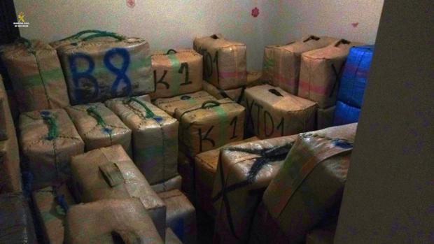 La droga estaba escondida en la vivienda.