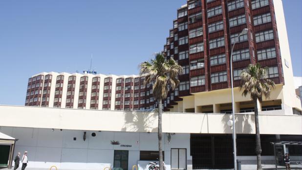 Los bajos de la residencia de Tiempo Libre de Cádiz, donde se ubicaba el pub Copacabana