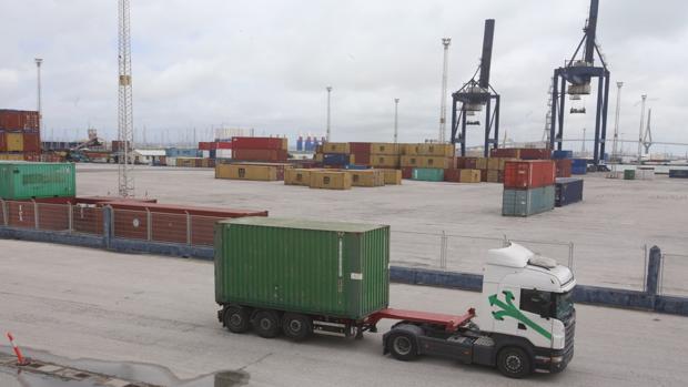 Actual terminal de contenedores de Cádiz, operada por Concasa
