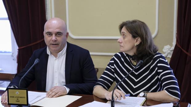 David Navarro, concejal de Patrimonio, y la directora de este Área, Fátima Salaverry.