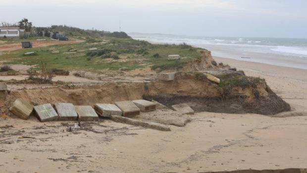 La playa de Rota tras el temporal Emma