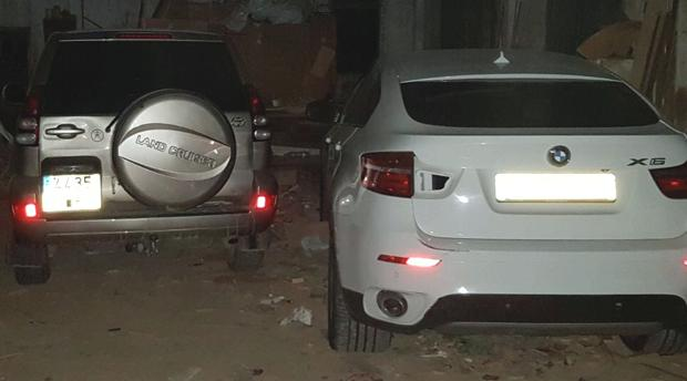Dos coches intervenidos recientemente en una operación policial en La Línea.