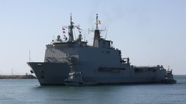 El Buque de Asalto Anfibio 'Galicia' a su llegada a Rota tras participar el año pasado en la operación 'Atalanta'.