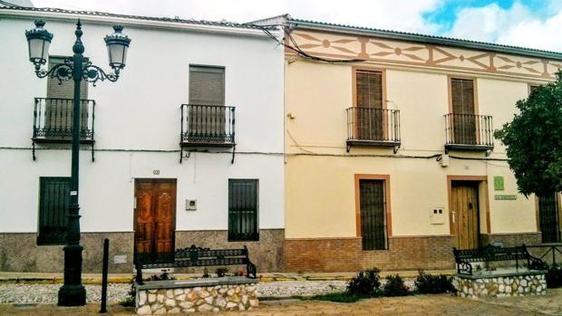 Casas de Almadén de la Plata