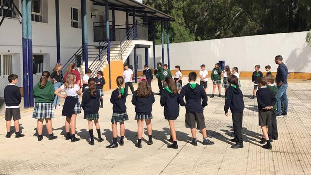 Los alumnos participaron en diversos juegos al aire libre