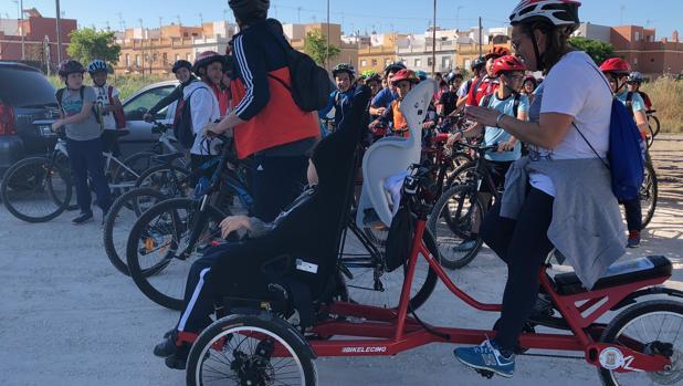 Esta mañana se ha celebrado en Marchena una marcha para personas con movilidad reducida