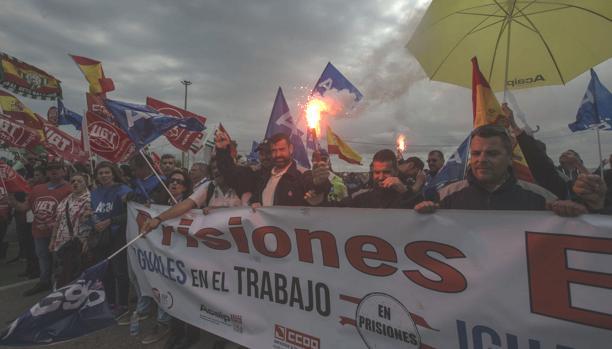 Un millar de funcionarios se manifestaron el jueves en El Puerto.