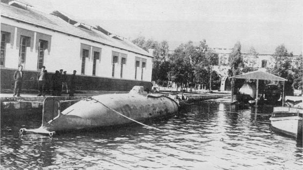 Imagen histórica del submarino 'Peral'.