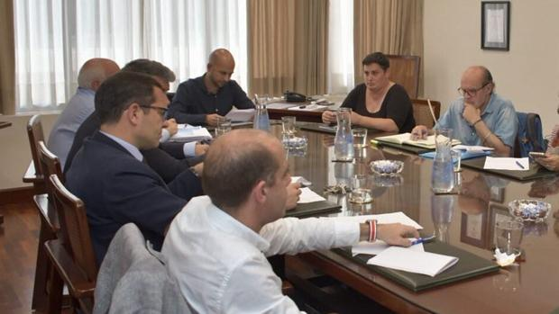 El consejo de administración de Aguas de Cádiz, con su presidente Álvaro de la Fuente al cabeza.